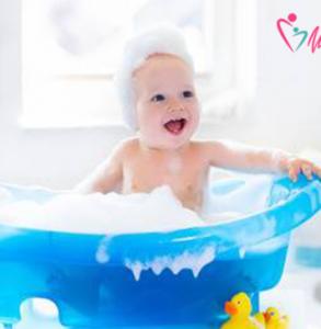 Il bagnetto al bambino: tutto quello che devi sapere